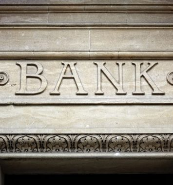 Bankers vs Mortgage Brokers
